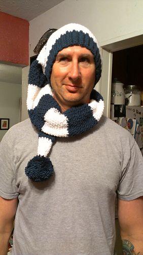 91847662f0eb1 I m pretty sure I need to make us some of these hats!