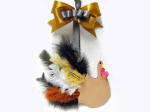 Last Minute Thanksgiving Craft Ideas: Kid's Hand Turkey with Feathers