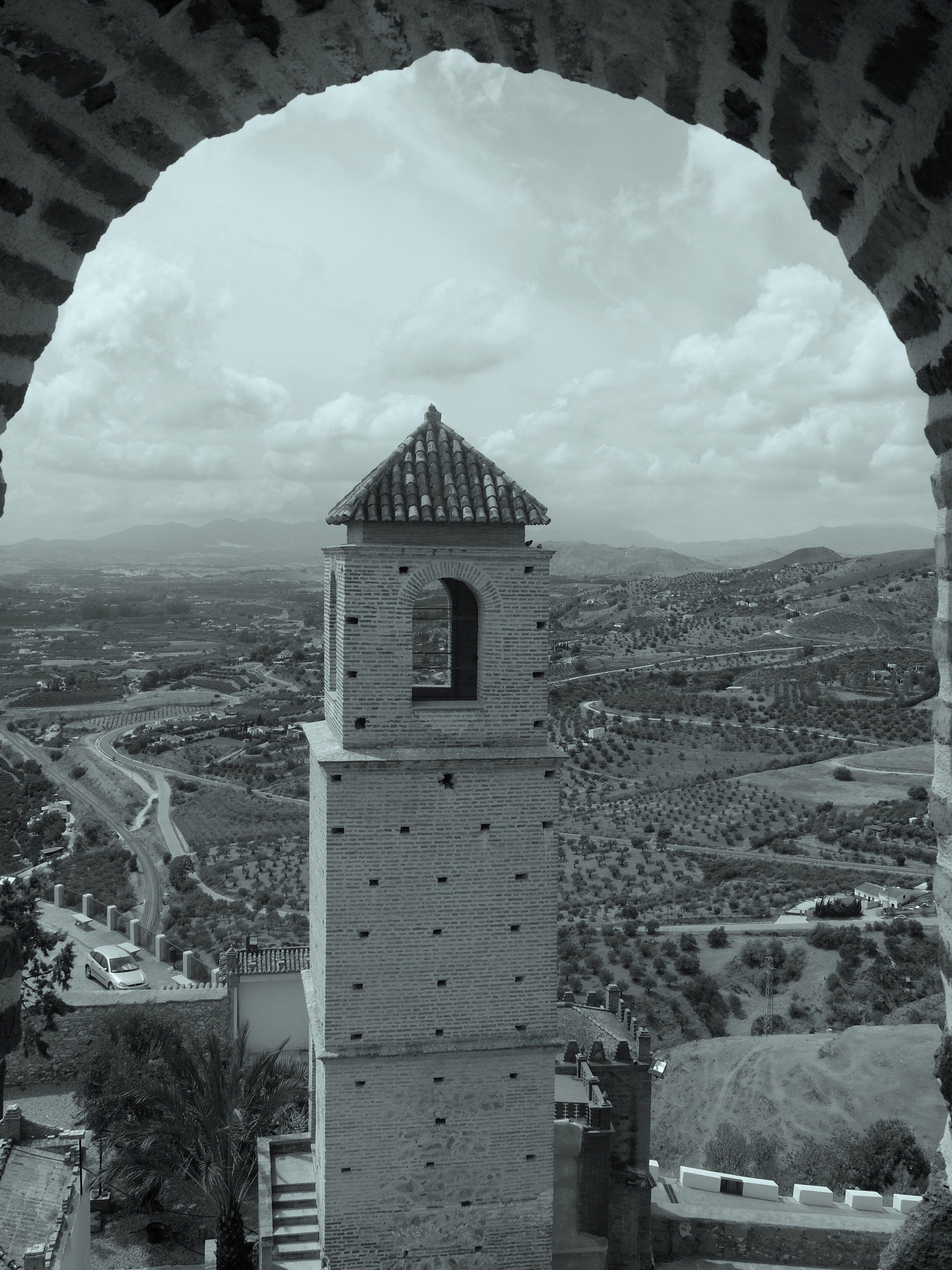 Alcazaba. Torre de la Vela desde arco de torre del homenaje