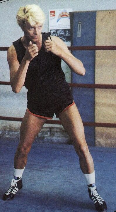 79780cd45e18 Wow. Those legs, David. | Starman | David bowie pictures, David ...