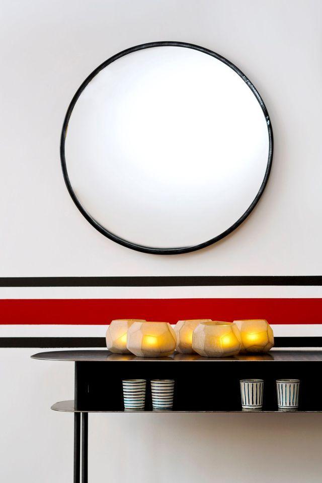 idee deco osez le noir sur un meuble un plafond un sol sarah lovoine pinterest. Black Bedroom Furniture Sets. Home Design Ideas