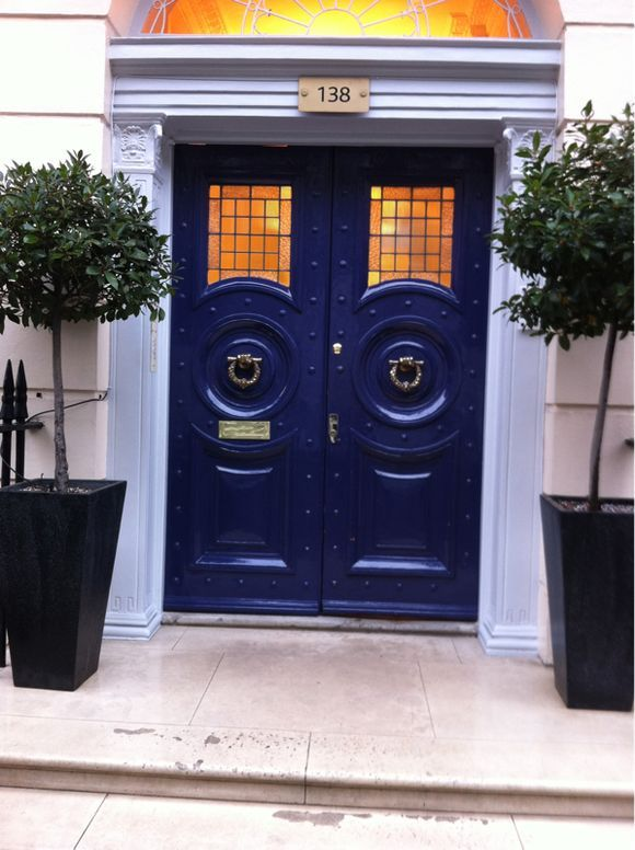 hmmm would love to match my shutters with blue double front door but this is a little nautical for my house.