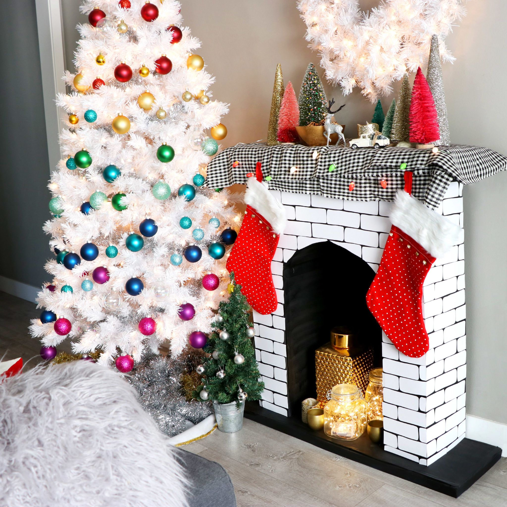 20++ Fake fireplace christmas decoration ideas in 20 ...
