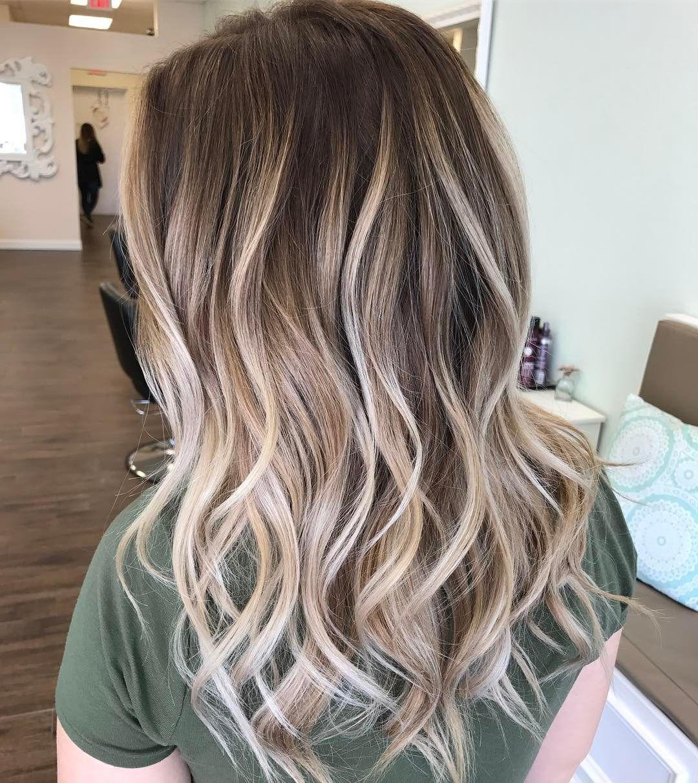 flattering balayage hair color ideas for blonde balayage