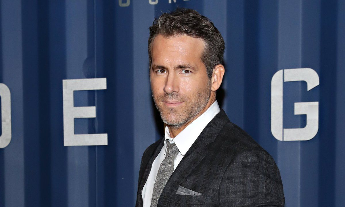 Ryan Reynolds Hilariously Posted A Deadpool And Bernie Sanders Meme In 2021 Ryan Reynolds Ryan Reynolds Movies Celebrity Entertainment