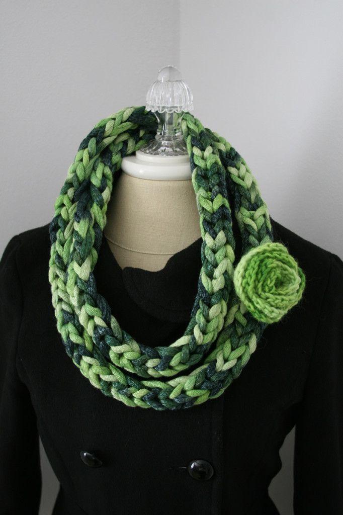 Necklace Green | Proyectos que intentar | Pinterest | Telar y Tejido