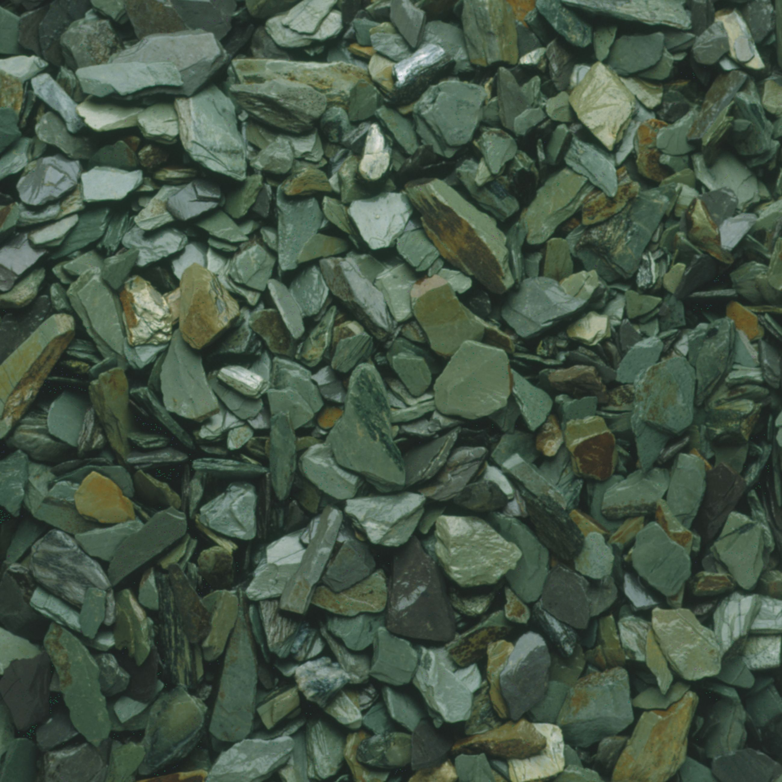 Blooma Green Decorative Slate Chippings   Slate and Gardens