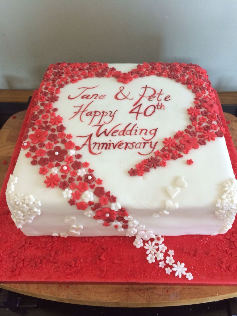Hearts and flowers 40th wedding anniversary cake. Ruby wedding ...