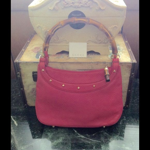 Authentic Gucci Pink Bamboo Bag Almost New Gorgeous Authentic Gucci Bag Only  Authentic Gucci Pink Bamboo Bag Almost New Gorgeous Authentic Gucci Bag Only