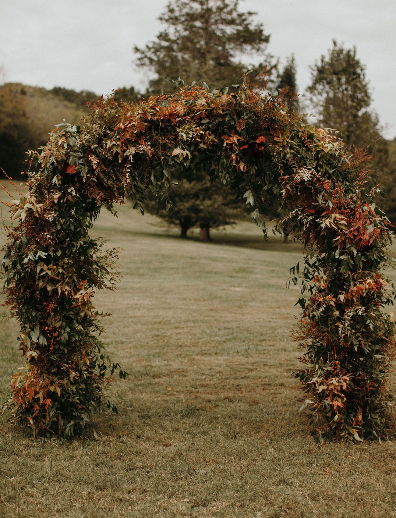 19 Creative Floral Installations To Make Your Wedding Design Wow