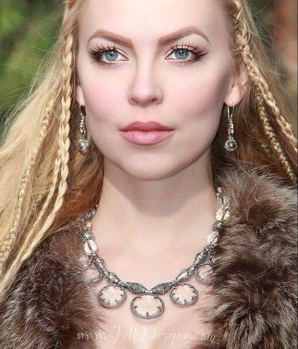viking queen wealtheow queen of the danes alluring women paintings digital and non digital. Black Bedroom Furniture Sets. Home Design Ideas