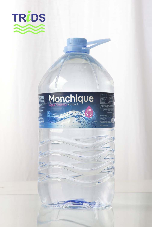 Botella de agua alcalina