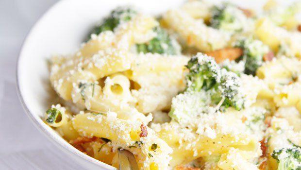 Cheesy Broccoli And Bacon Pasta Bake Recipe Bacon Pasta Gerd Friendly Recipes Bacon Pasta Bake
