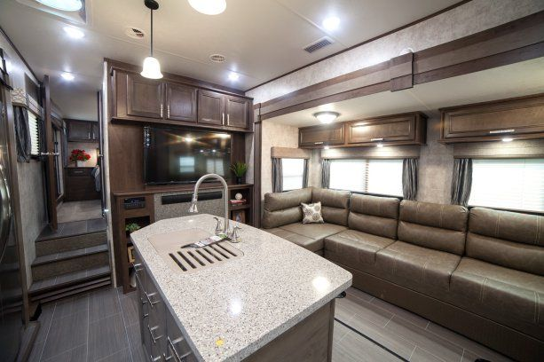 2018 Open Range 376fbh Front Living Room Or 2nd Bedroom Fifth