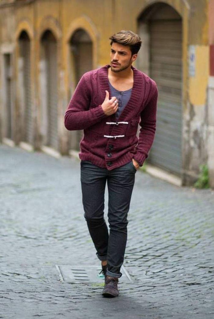 Männer Outfit, das für eine trendige Garderobe sorgt