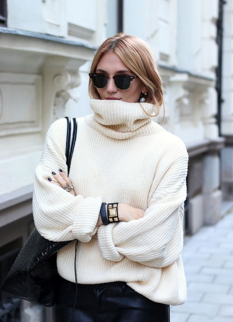 How To Wear An Oversized Turtleneck For Winter (The Edit ...
