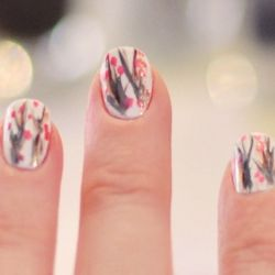 Branching Out Manicure : DIY Cherry Blossom Nail Art Tutorial