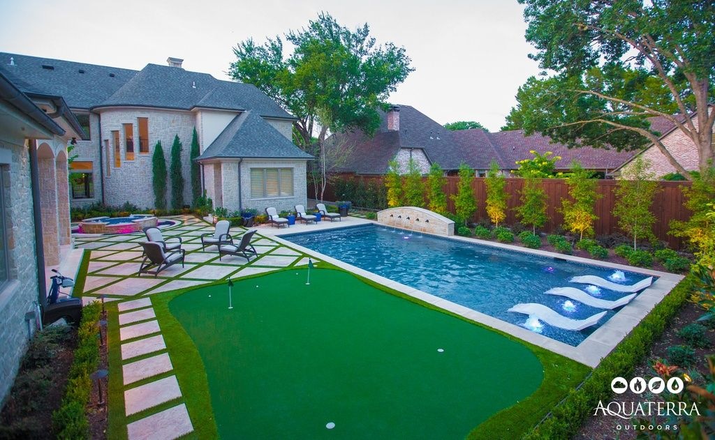 Traditional Swimming Pool With Lap Pool Pathway Easy Turf Commerical Artificial Grass Custom