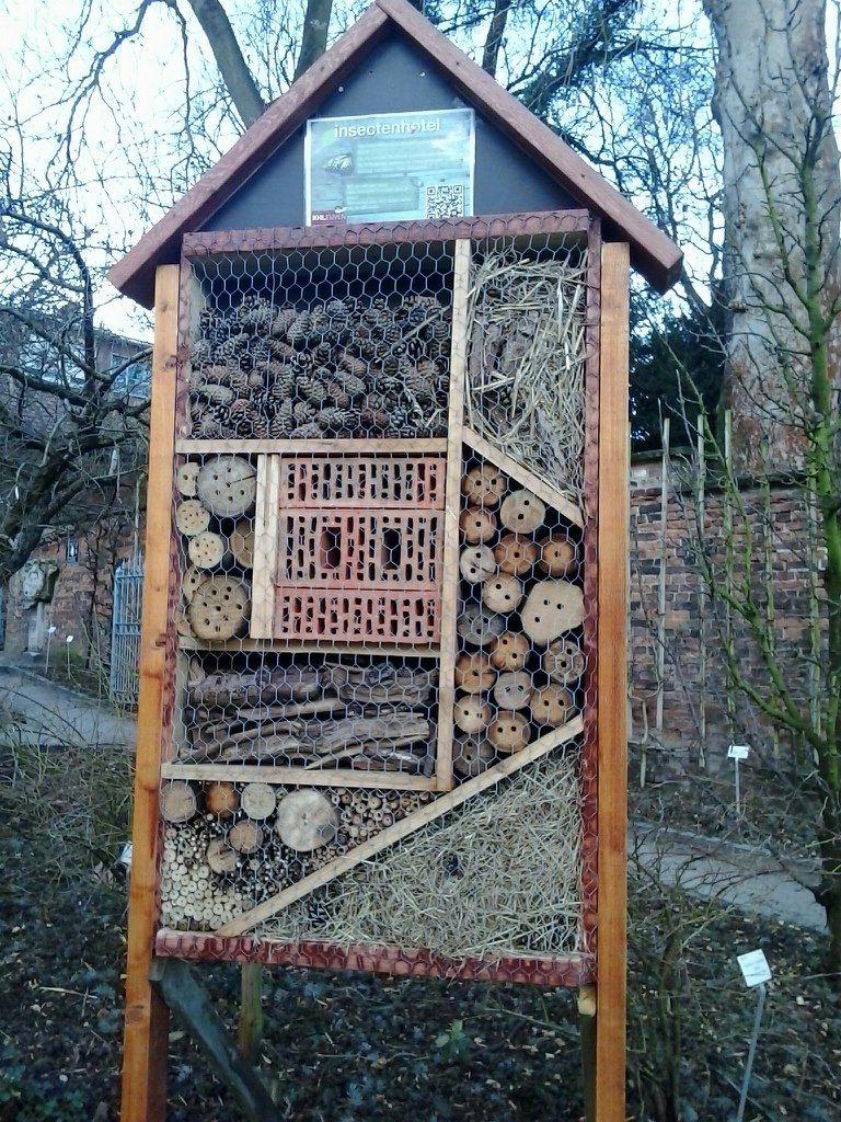 Insectenhotel - geeft ideeën voor een kleinere versie