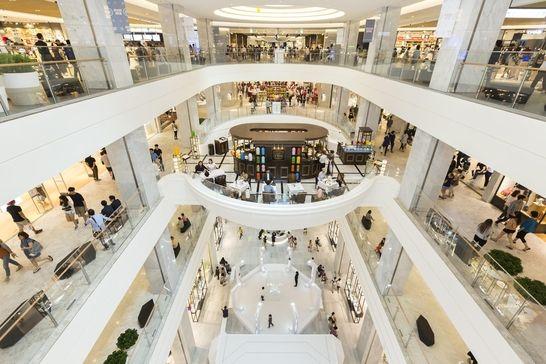 현대백화점 판교점은 잠실운동장 7배 크기로 수도권 최대 규모다. 지하 6층~지상 10층으로 연면적은 23만5338㎡(약 7만1300평), 영업면적은 8만7800㎡(약 2만6600평)이다. 영업면적으로는 기존에 수도권에서 가장 큰 롯데백화점 본점(7만㎡)보다 25% 넓다. /현대백화점 제공