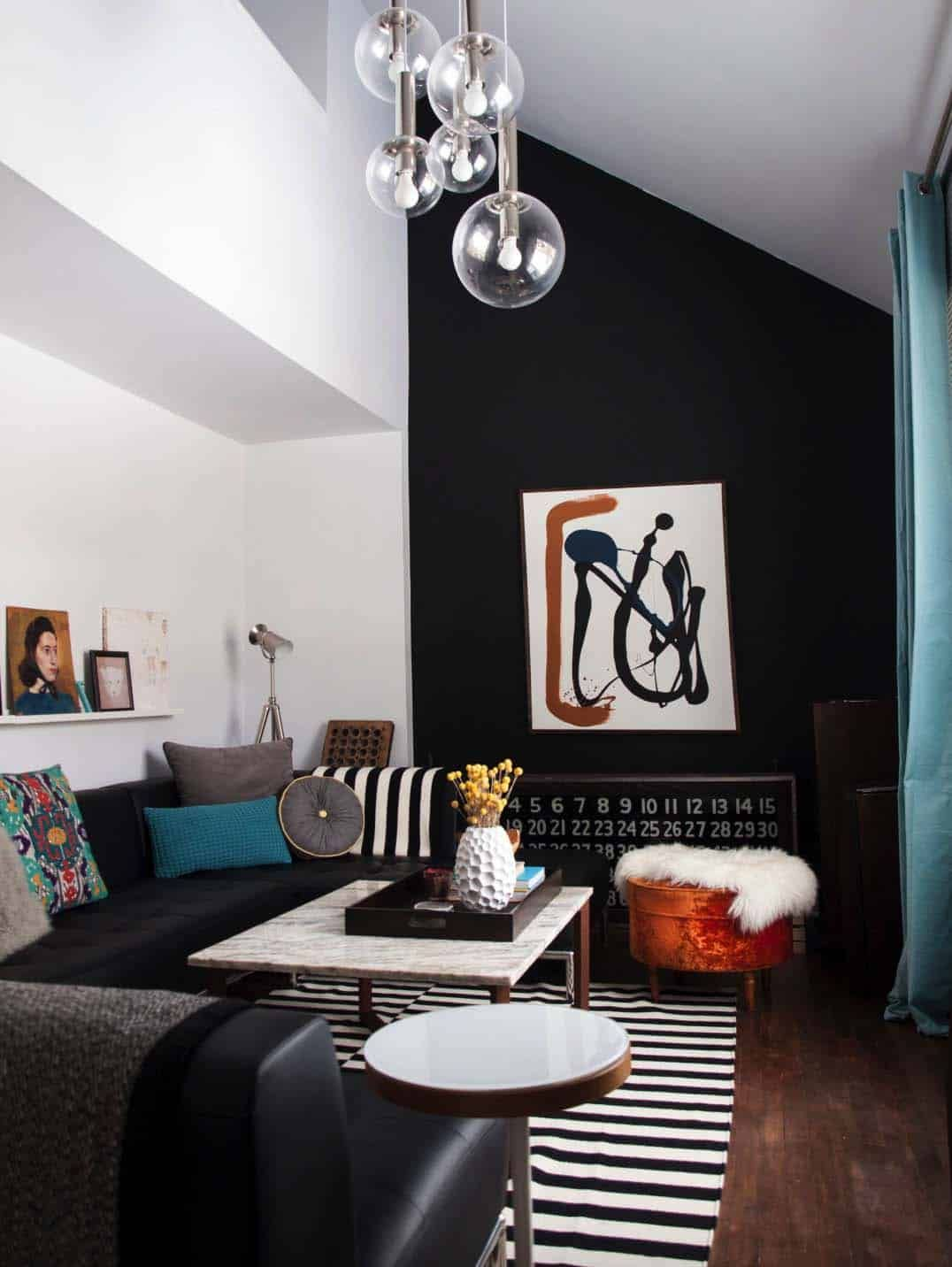 28 Wunderschöne Wohnzimmer Mit Schwarzen Wänden Die Ein Gemütliches Drama Schaffen Black Accent Wall Living Room Accent Walls In Living Room Black Dining Room