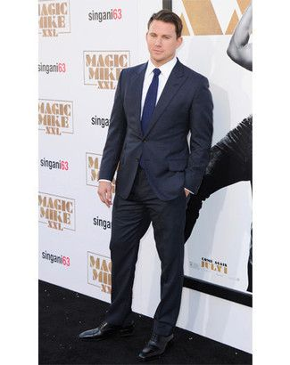 black suit, navy tie | i do i do i do | Pinterest | Suits, Black ...