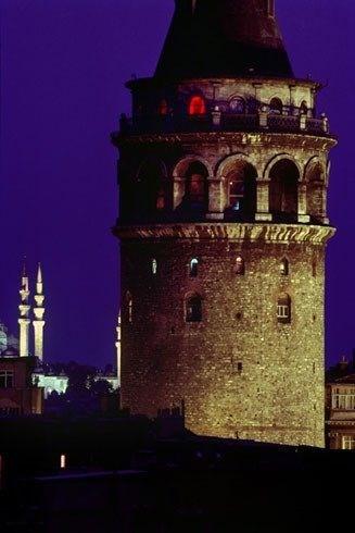 vefatinin ikinci yilinda ara guler in objektifinden istanbul fotograflari istanbul fotograf anitlar