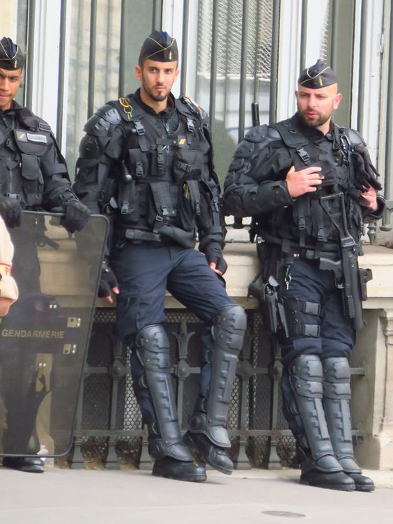 Pin by Frank on French cops Cop uniform Men in uniform