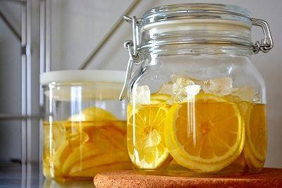 無印良品の保存瓶でサワードリンク作り。レモンとりんご。
