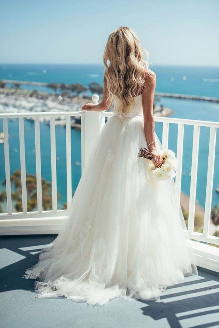 Romantic Tulle Wedding Dresses | itakeyou.co.uk #weddingdress #bridalgown #bridaldress #wedidnggown #ballgown #romantic