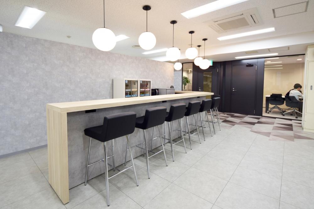 オフィスデザイン実績 幾何学模様でブランディングを確立したオフィス