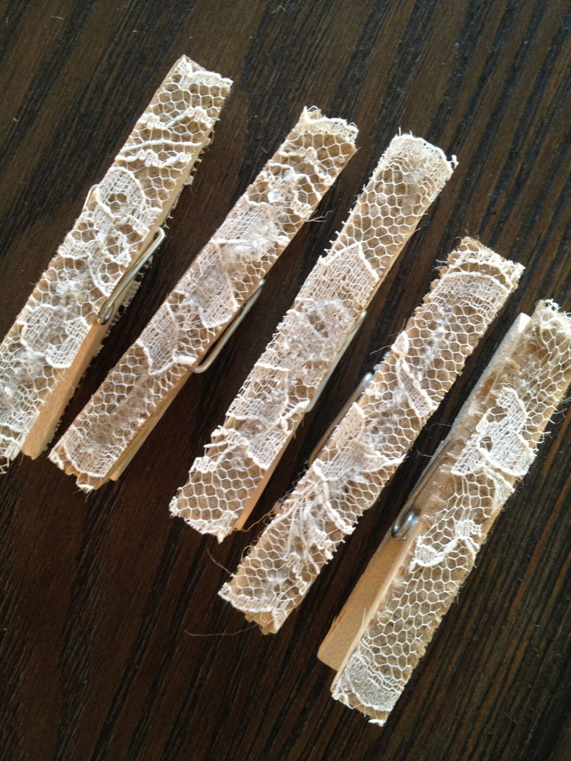 wedding lace and burlap clothespins seat place card