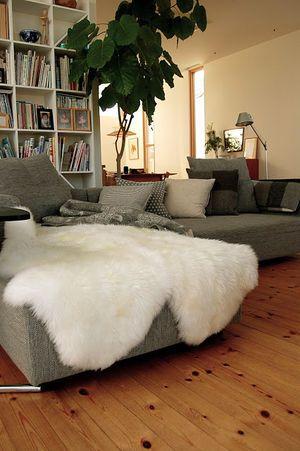 コストコ Ikeaなら大人気の ムートンラグ が低価格で質もいいみたい ムートン ラグ ビーンバッグチェア Ikea ラグ