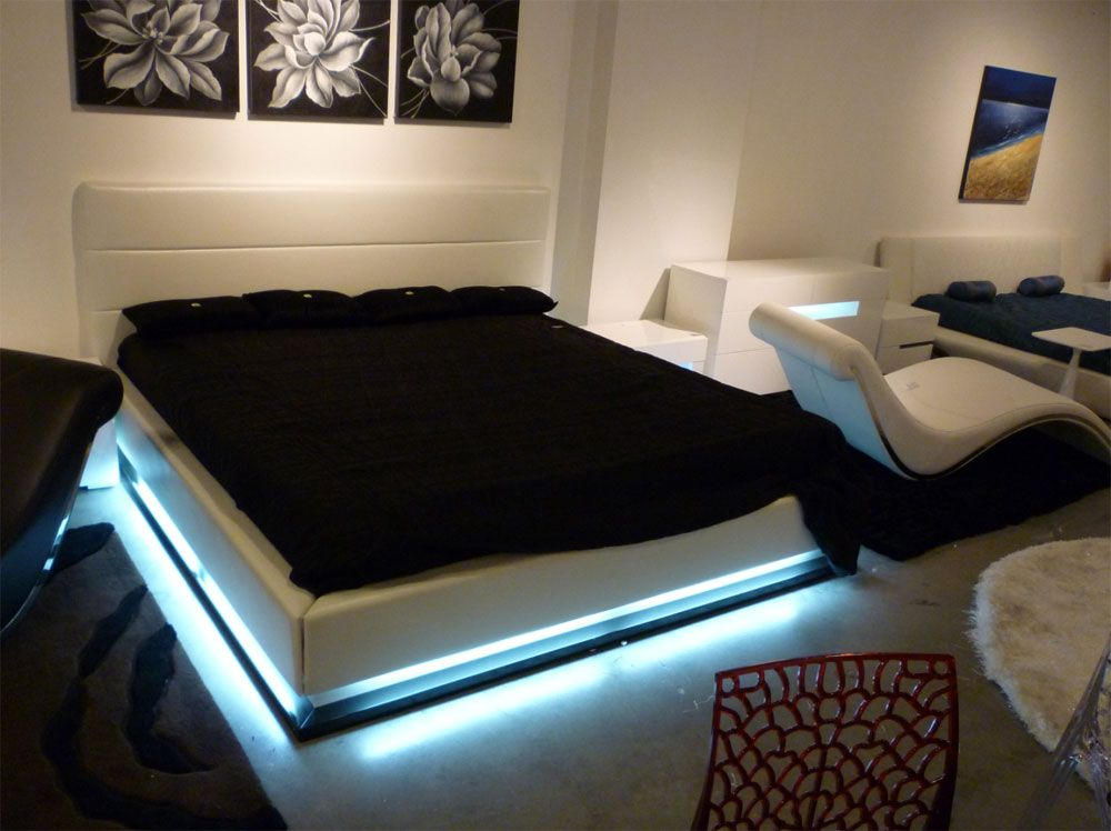 Lorezo Contemporary Platform Bed With Lights Contemporary