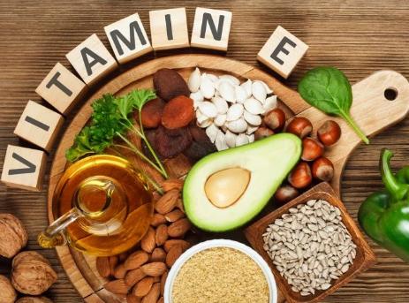محتويات المقال1 فيتامين E2 الأطعمة التي يتوفر بها فيتامين E3 فوائد فيتامين E4 فوائد فيتامين E للبشرة5 فوائد فيتامي Benefits Of Vitamin E Face Wrinkles Vitamins