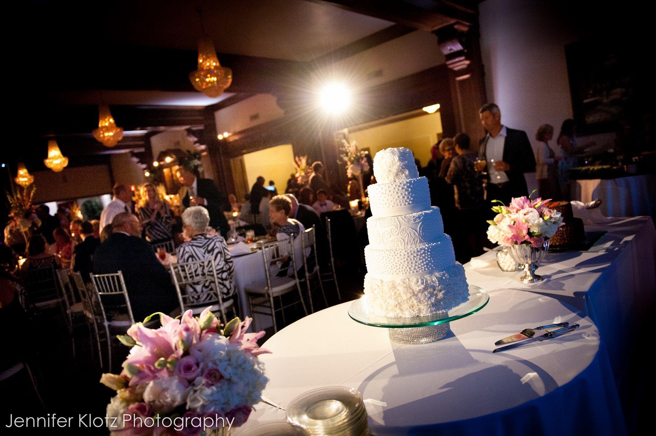 Jennifer Klotz Photography / Wedding Cake / The Dominion House