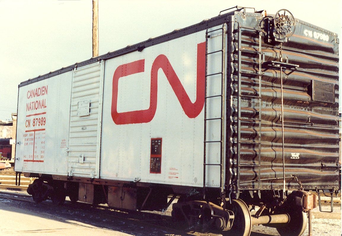 CN 87989 What the...? Canadian national railway, Train