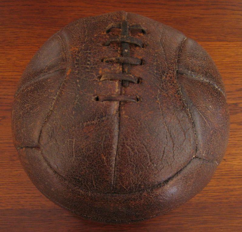 Balón de fútbol 1920. (Colección particular de Pablo Gines)