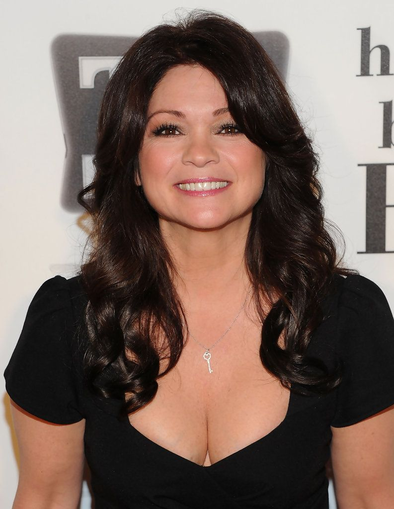 Valerie Bertinelli Photos Photos Betty White S 89th Birthday Party Arrivals Talented Actresses Valerie Bertinelli Beautiful Women Over 50 Actresses