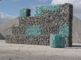 Glass gabion rocks Gabion Fun Pinterest Rock Glass