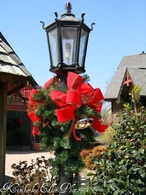 this light pole is at the christmas inn and place shopping center in pigeon forge - Christmas Inn Pigeon Forge Tn