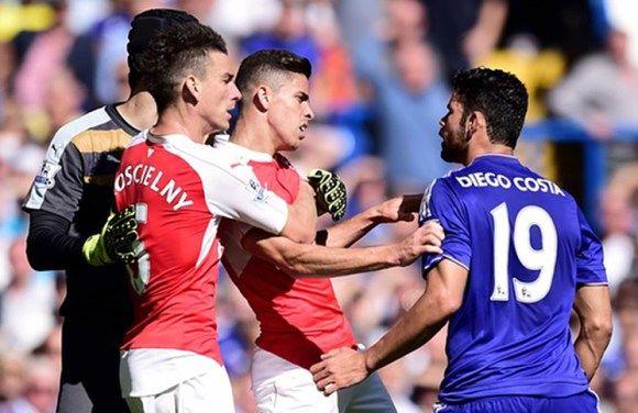 Tin vui cho Arsenal: Paulista được xóa án treo giò