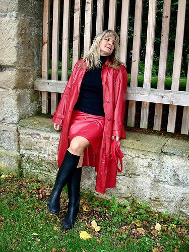 Red Rubber Raincoat Anziehsachen Leather Leather