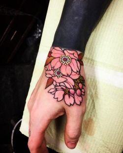 Cherry Blossom Hand Tattoo Aritst Shige Yellow Blaze Tattoo Yokohama Japan Flower Tattoo Japanese Flower Tattoo Hand Tattoos