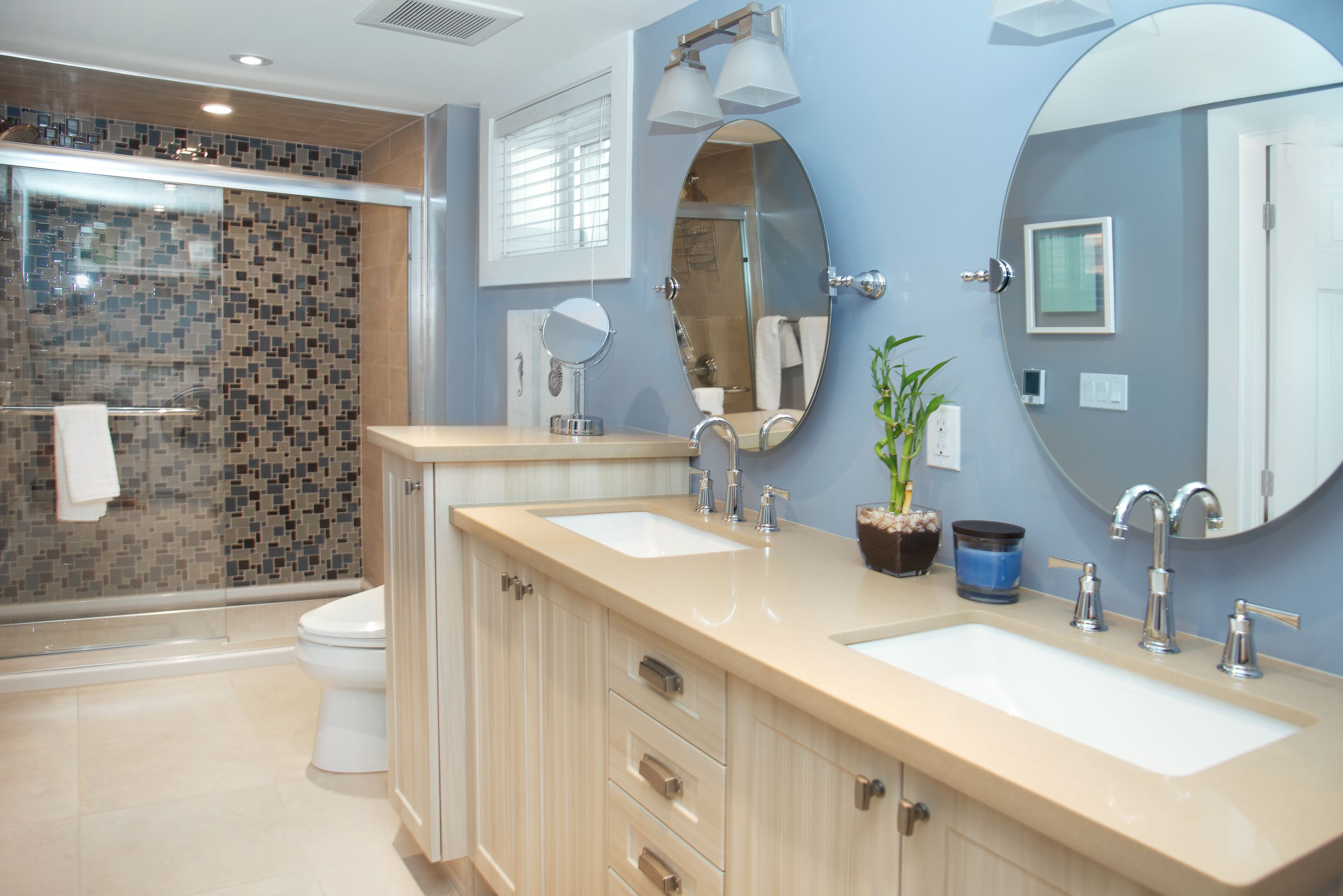Love it or list it toronto bathroom redesign bathrooms for Toronto bathroom design
