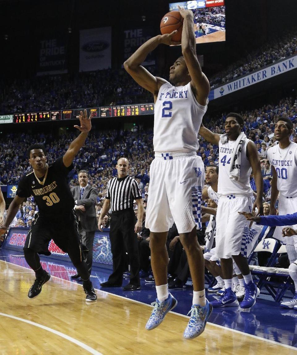 Top Ranked Kentucky Survives Vanderbilt 65 57 Kentucky Vanderbilt Harrison Twins