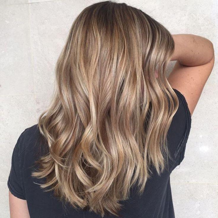 ljusbrunt hår slingor
