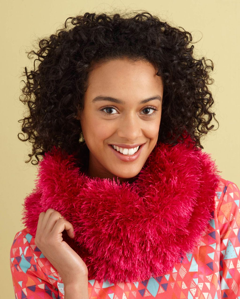 Cushy Fur Cowl in Lion Brand Fun Fur - L0734E | Projects to Try ...