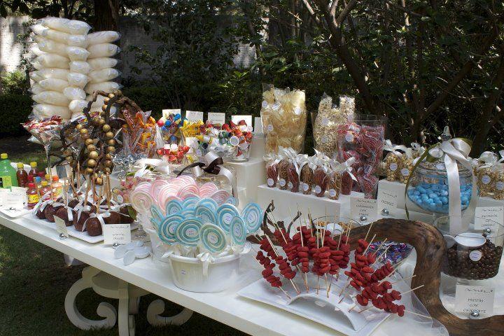 Una mesa sencilla pero lista para disfrutarse mesas de for Mesa dulce para baby shower