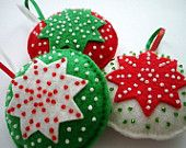 Felt Christmas tree ornament green red glass beads